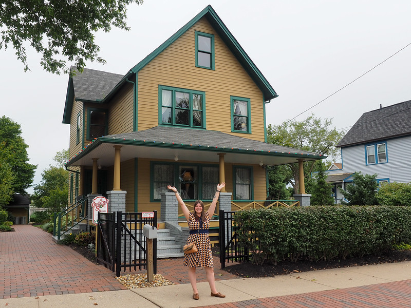 Amanda at the A Christmas Story house