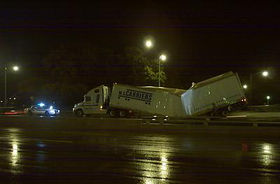 Semi-trailer on Lake Shore Drive