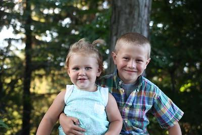 Kayne and Kynzlee Lyndaker 7-31-2015