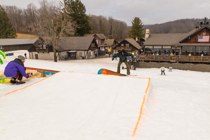 Pool-Party-Jam-2015_Snow-Trails-920.jpg