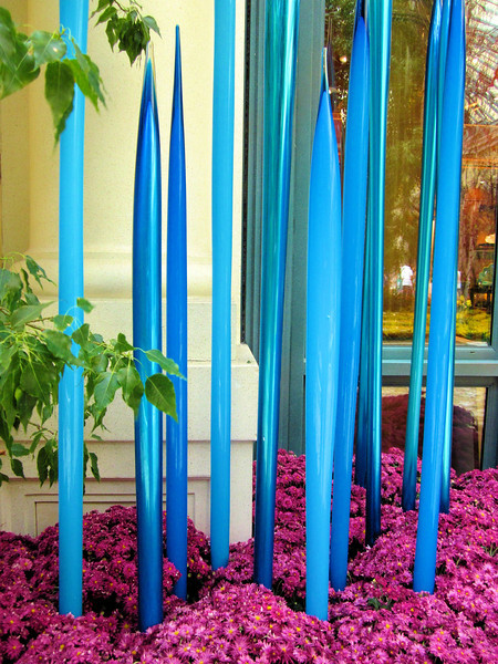 Glass sculpture in the Bellagio Conservatory.jpg
