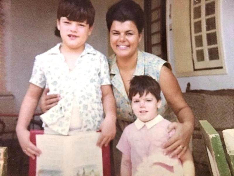Lourdes Carreira e filhos Jorge Manuel e Carlos