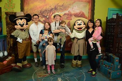 1112-16 Disney PhotoPass