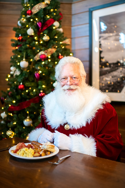 Avalon_BreakfastWithSanta_2019_9811.jpg