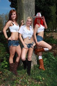 Kitty, Emma and Tasha Location Shoot