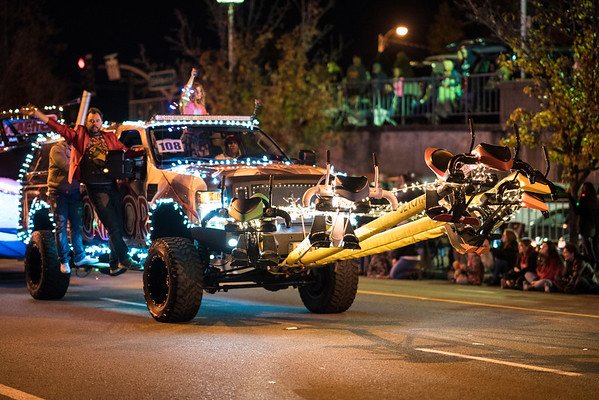 Light_Parade_2016-05461.jpg