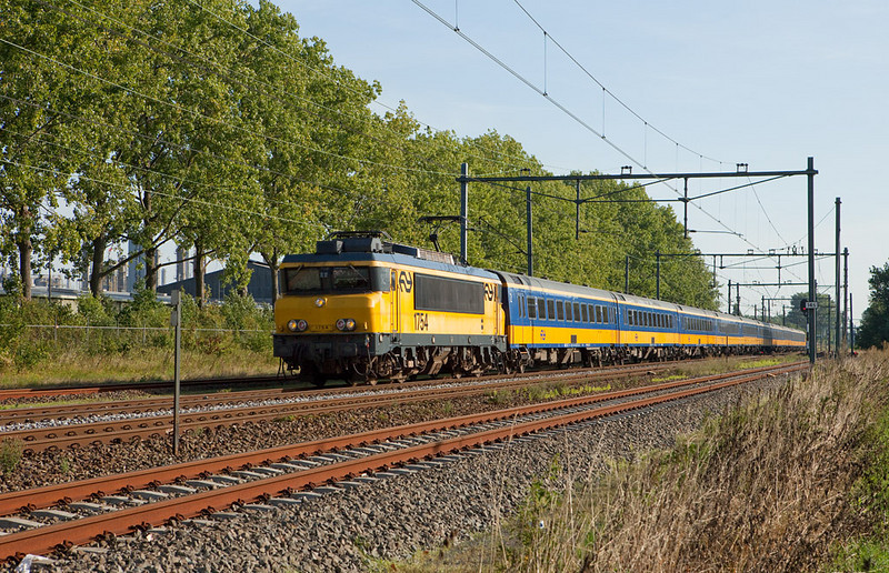 1754 with deadheading IC equipment to Maastricht in Beek-Elsloo.