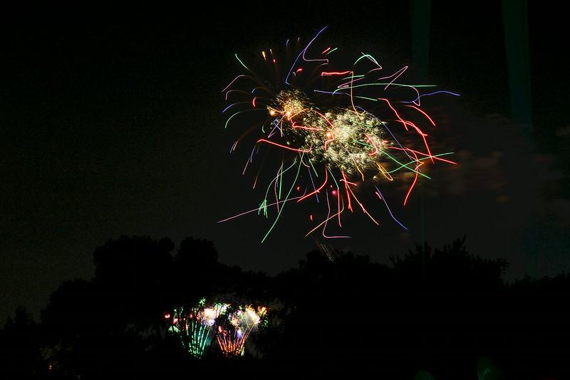 2014-07-03 Creekwood Mansfield Fireworks 022.jpg