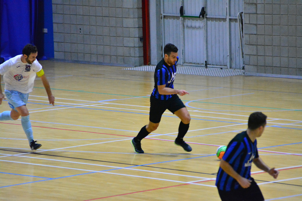 Futsal first division - College 1975 FC 2 vs 4 Glacis United FC