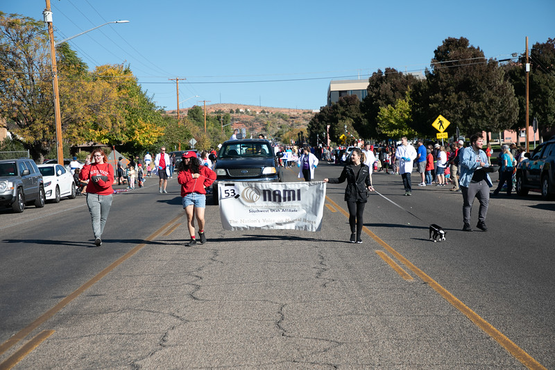 HOMECOMING PARADE 2019-2059.jpg