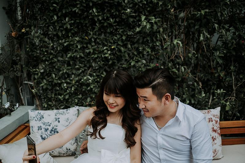 Tu-Nguyen-Destination-Wedding-Photographer-Saigon-Engagement-Shooting-Vietnam-Videographer-16.jpg