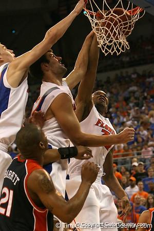 Photo Gallery: Basketball vs Auburn
