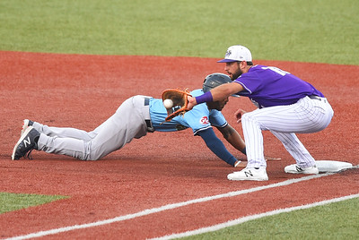Crushers' bats snooze in key situations in loss to Grizzlies