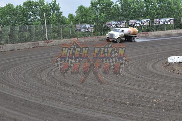 "TNT  ""Sprint Bandits"" Lakeside Speedway 8-15-08  DAY 1"