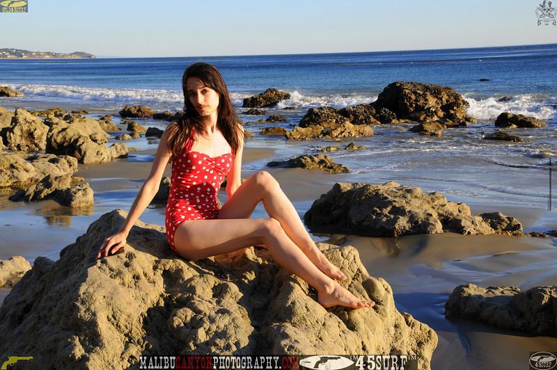 matador swimsuit malibu model 826.0090.jpg