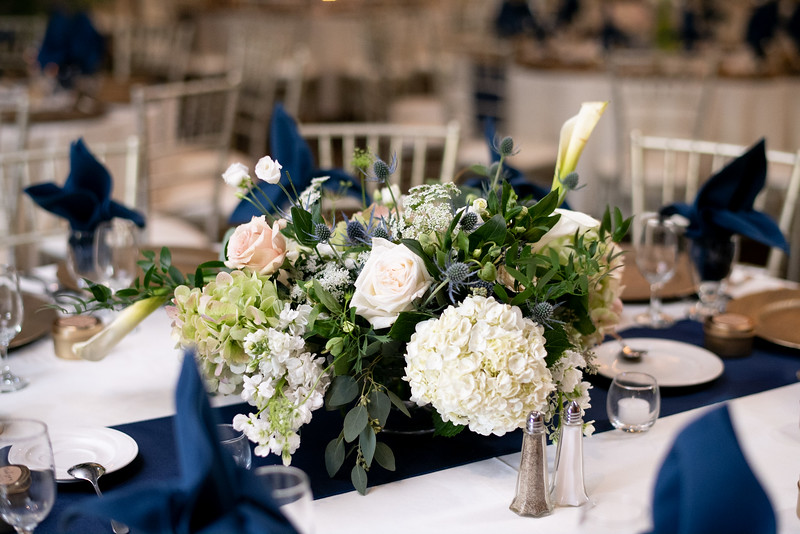 Table Center Piece with Roses