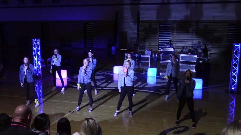 Pitch Perfect Finale by the Senior Girls