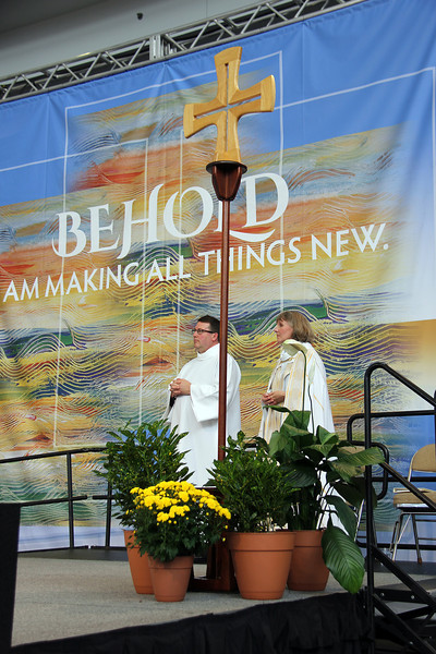 Kristine Carlson participates in worship.