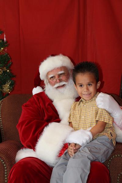 Santa Clause 27NOV2010-132.JPG