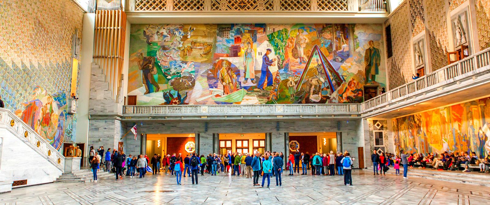 挪威奥塞罗市政厅,四周的人文壁画