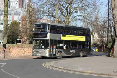1113, YN08MNO, Reading Buses, The Forbury