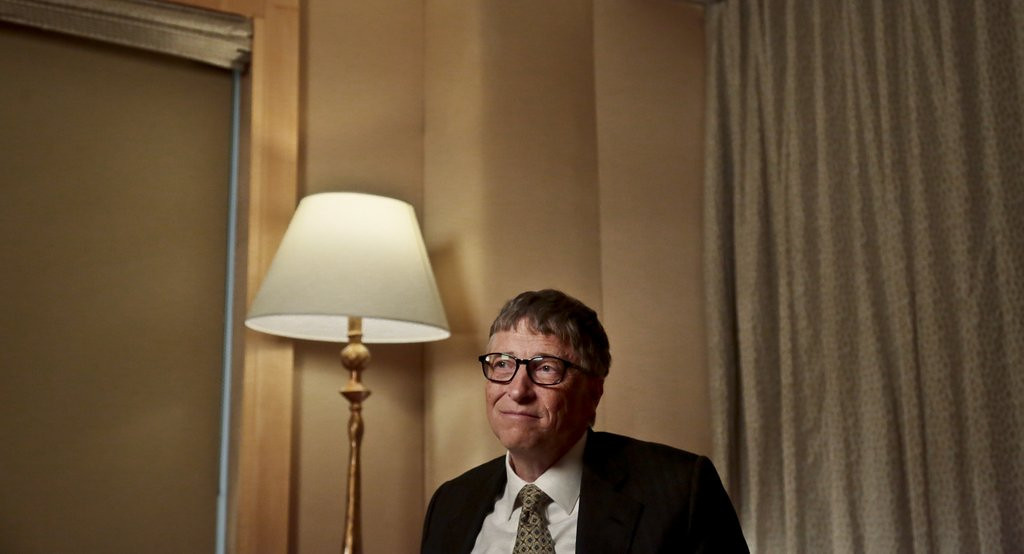 ". <p><b> This man made headlines this week when he leaped back to the top of Forbes� billionaires list � </b> <p> A. Bill Gates <p> B. Warren Buffett <p> C. Roger Goodell <p><b><a href=\'http://www.twincities.com/business/ci_25265715/gates-back-top-forbes-billionaire-rankings\' target=""_blank\"">HUH?</a></b> <p>    (AP Photo/Bebeto Matthews, File)"