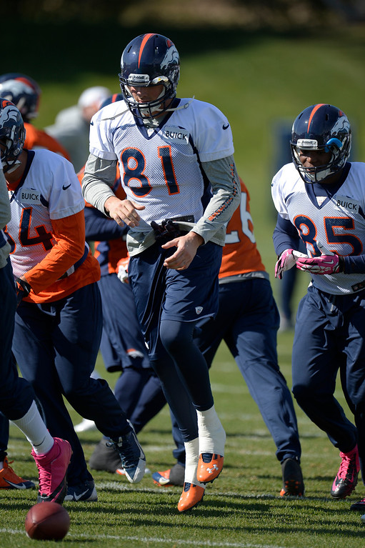. Denver Broncos tight end Joel Dreessen (81) heads to drills during practice October 16, 2013 at Dove Valley. (Photo by John Leyba/The Denver Post)