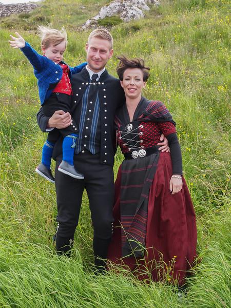 Hans Christian, Marina og lille Joannes. Foto- Martin Bager-7298333.jpg