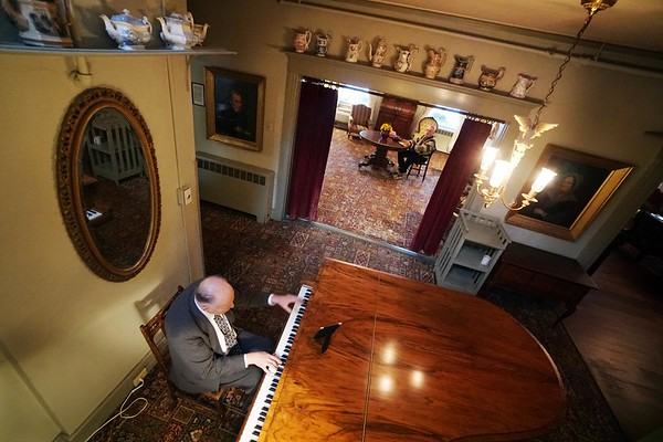 Red Lion Inn Piano - 110719