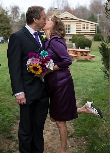 Legup Kissing.jpg