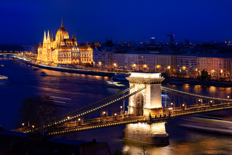BUDAPEST / BUDAPEŞTE