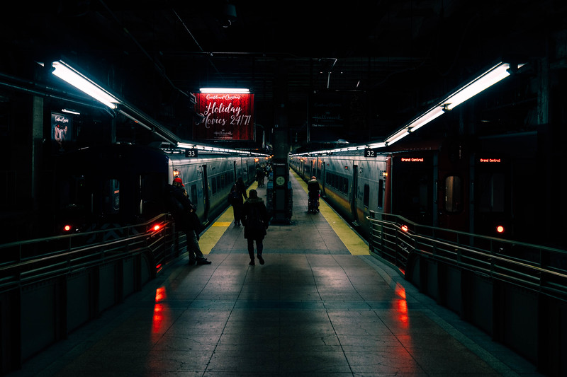 Subway platform GSS.jpg