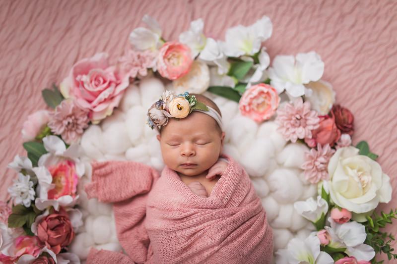 Kaylyn Newborn-94.jpg
