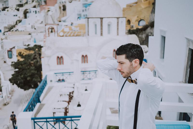 Tu-Nguyen-Wedding-Photography-Videography-Hochzeitsfotograaf-Engagement-Santorini-Oia-Greece-Thira-9.jpg