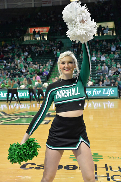 cheerleaders3849.jpg