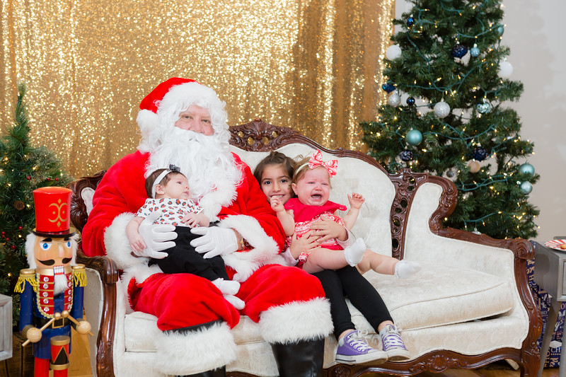 FADS Picture with Santa-321.jpg