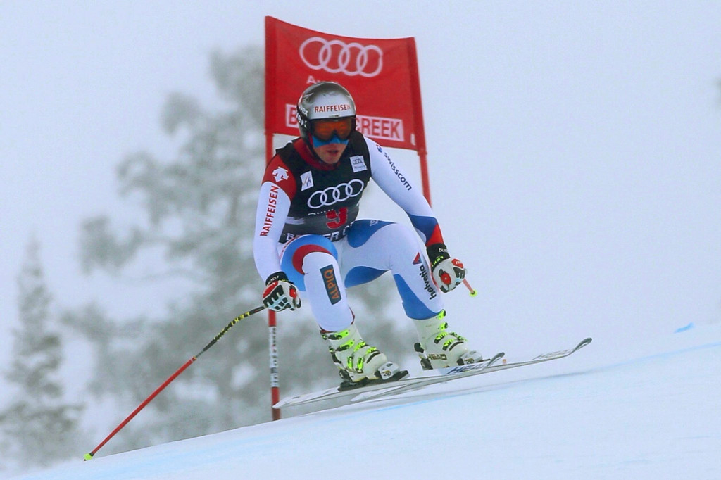 . Switzerland\'s Beat Feuz in action during the Men\'s Downhill race at the FIS Alpine Skiing World Cup in Beaver Creek, Colorado, USA, 06 December 2013.  EPA/George Frey