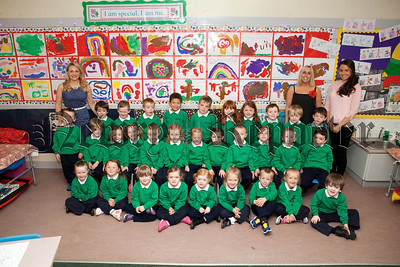 Pictured are Mrs Hutchinson's Primary 1 class with classroom assistants Miss Keeley and Miss McSherry. R1439005