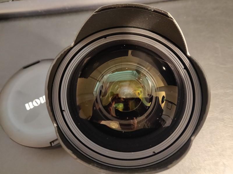 Canon EF 11-24mm 4.0 L - Serial 5020000615 003.jpg