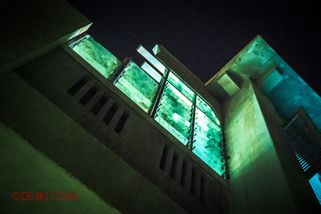 Halloween Horror Nights 6 - Old Changi Hospital / Windows light