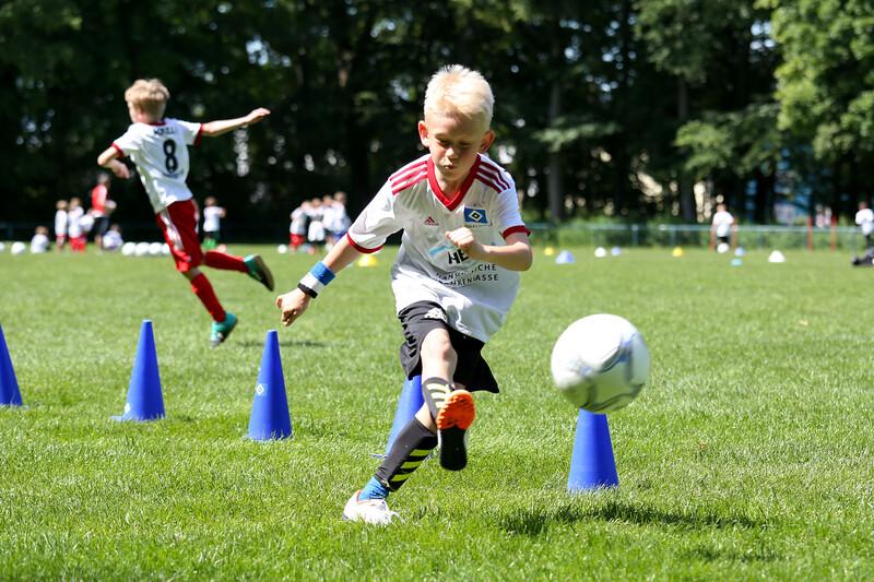 hsv_fussballschule-496_48047958061_o.jpg