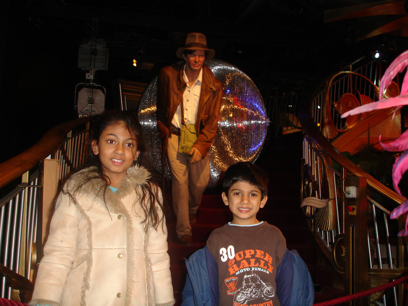 swati and kids in London 2008 164.JPG