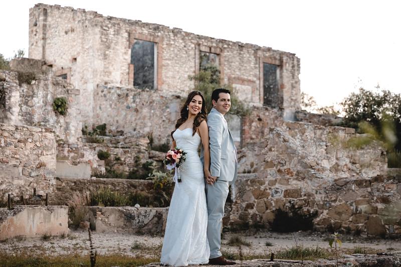 P&H Trash the Dress (Mineral de Pozos, Guanajuato )-68.jpg