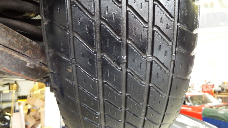 Uneven wear to LHF tyre