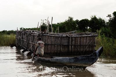 Tonle Sap Lake - Vietnamese Floating Village