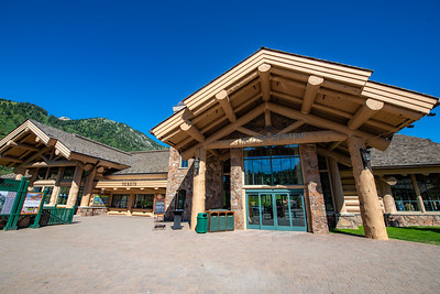 Grizzly Center and Needles Lodge Exterior Images and Panos