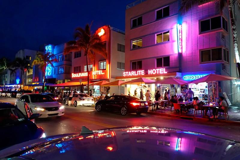 Ocean Drive - South Beach - Miami - Florida
