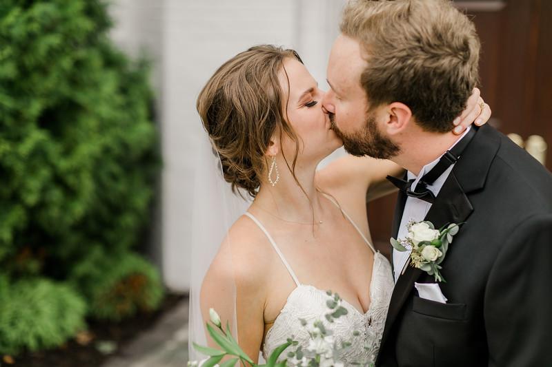 429_Ryan+Hannah_Wedding.jpg