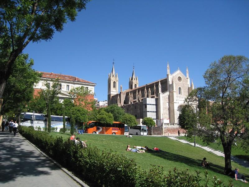 Prado courtyard with music and nice weather