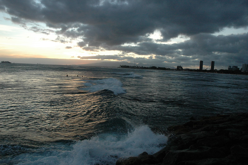 Hawaii - Ala Moana Beach Sunset-77.JPG